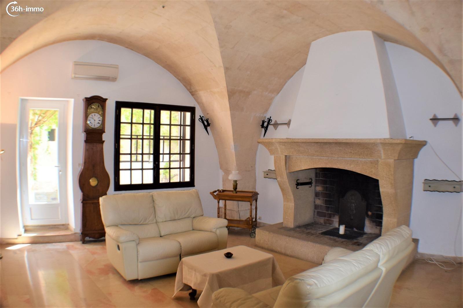 Maison Mouriès 13890 Bouches-du-Rhone 157 m<sup>2</sup> 4 pi&eagrave;ces 310000 euros