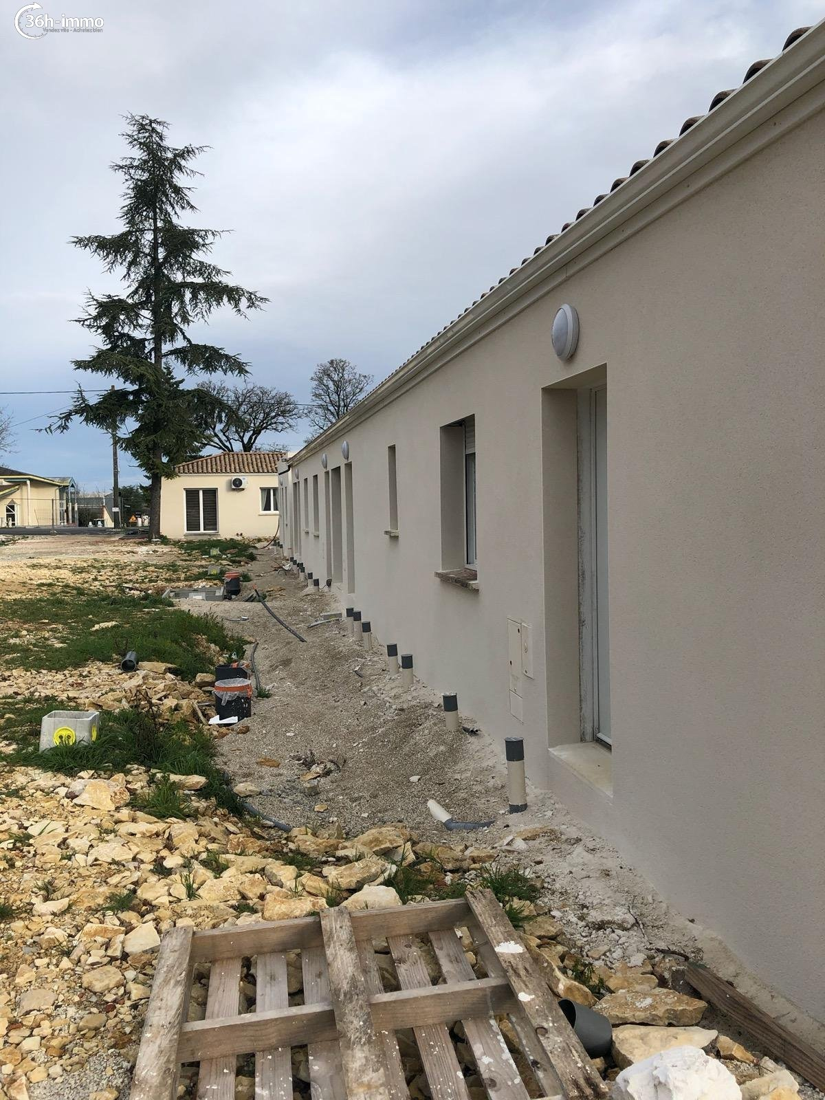 Maison Ruffec 16700 Charente 36 m<sup>2</sup> 2 pièces 119937 euros
