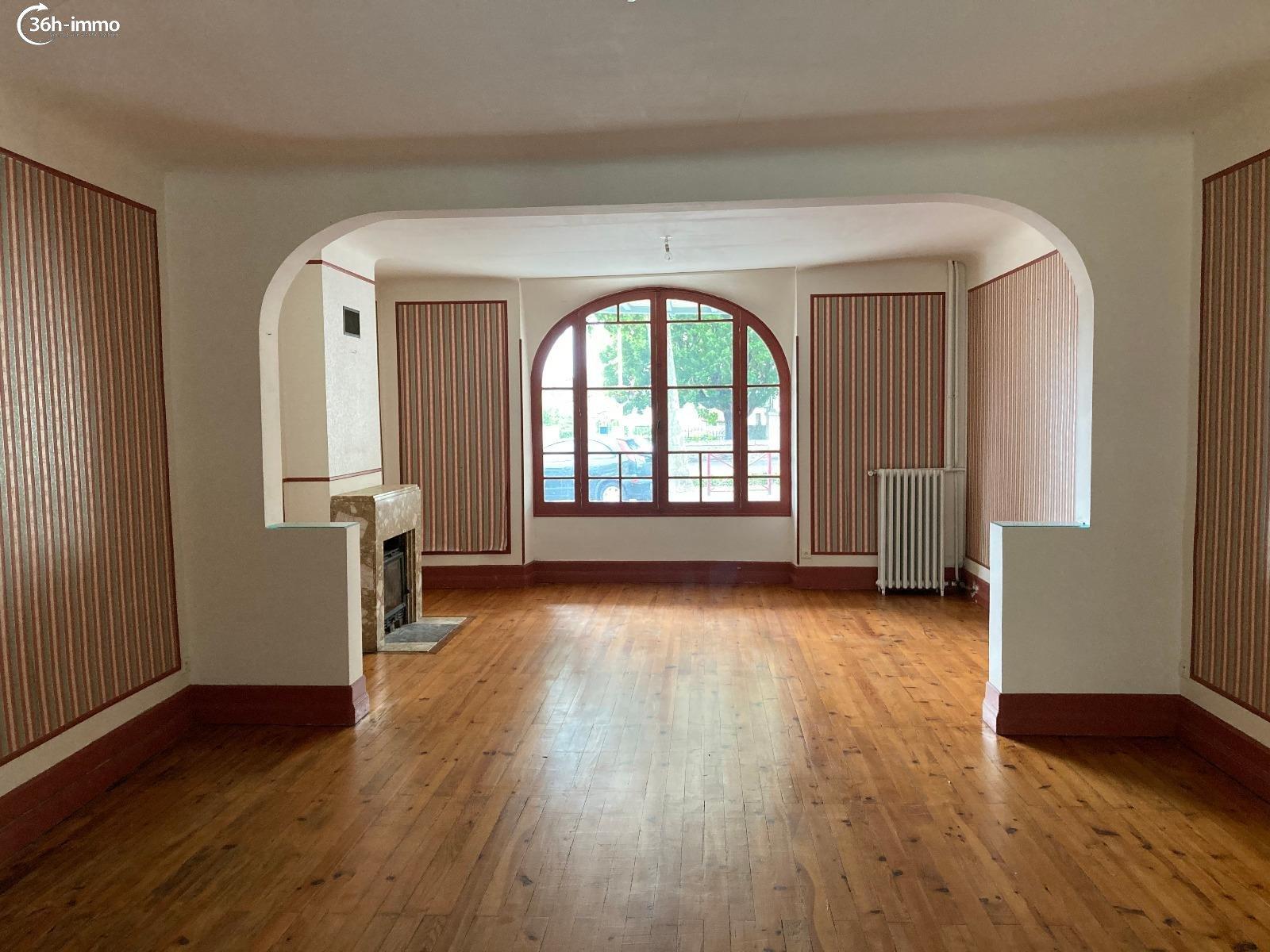 Maison Eymet 24500 Dordogne 400 m<sup>2</sup> 13 pi&eagrave;ces 265000 euros