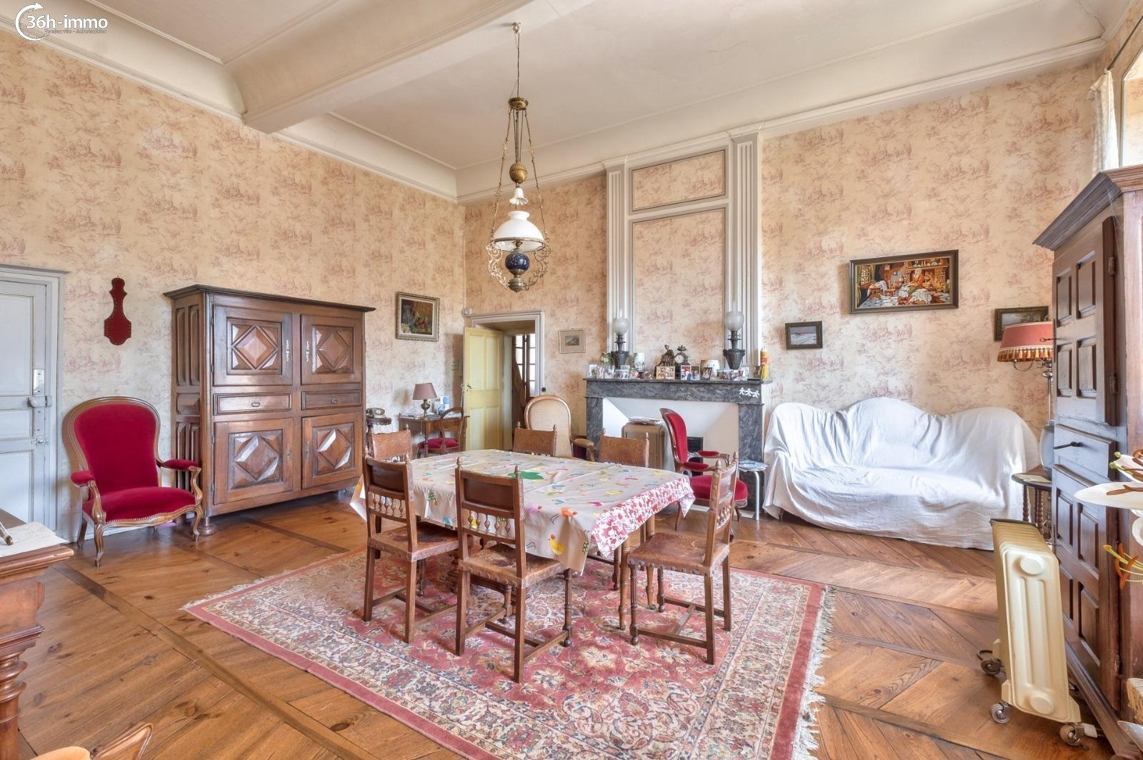 Maison Cahors 46000 Lot 900 m<sup>2</sup> 17 pi&eagrave;ces 778125 euros